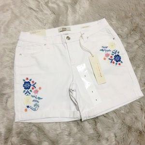 Vintage America Women's Denim Shorts Embroidery